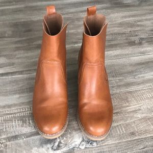 Mossimo Supply Co. Brown Ankle Booties Size 6.5 😍